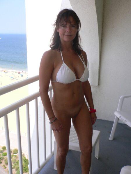 Passez un rendez-vous hot avec une femme cougar sexy