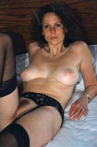 Passez une nuit de baise avec une femme infidèle sexy