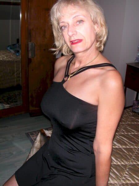 Pour un plan baise de sexe sans tabou avec une femme mature