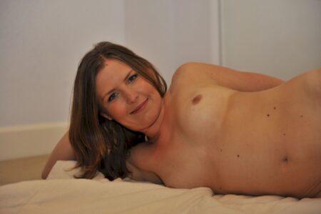 Une femme infidèle sexy sur le 16 pour un dial coquin et plus